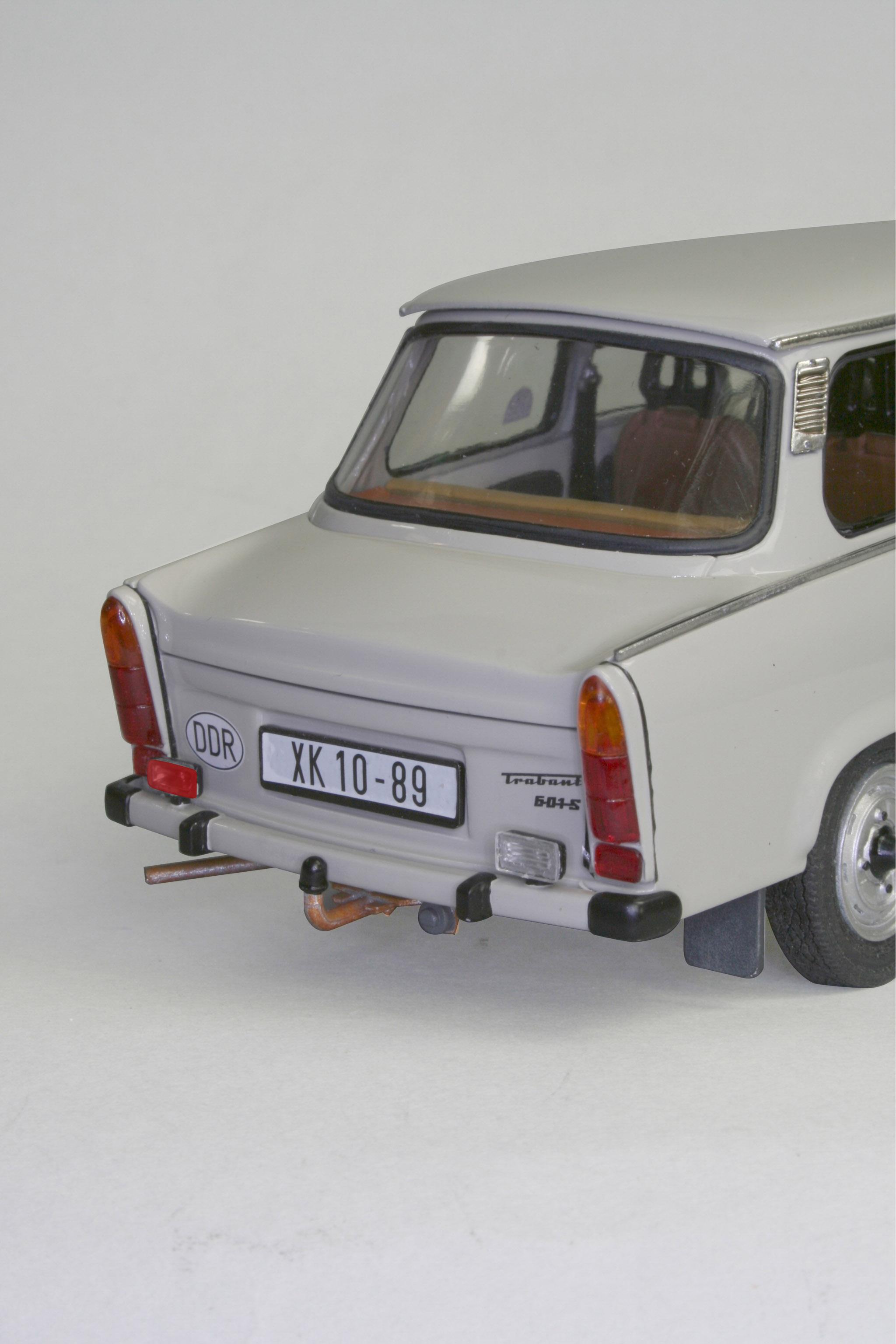 revell 07256 trabant 601s limousine modellbau remscheid carrera rc spielwaren spielzeug. Black Bedroom Furniture Sets. Home Design Ideas